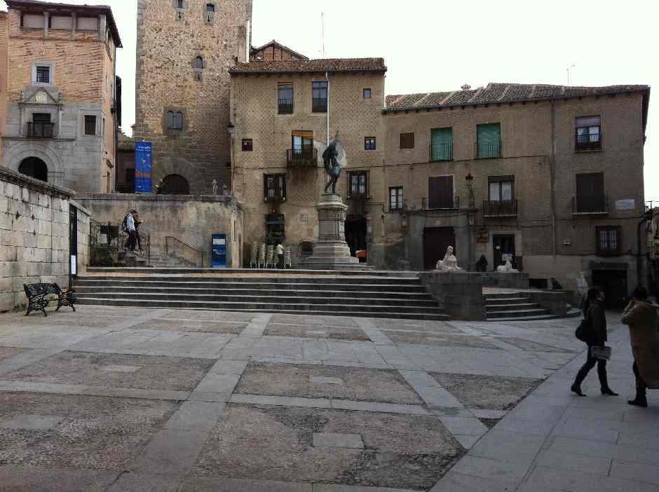 Recorrido por Segovia con el Grupo Chapín