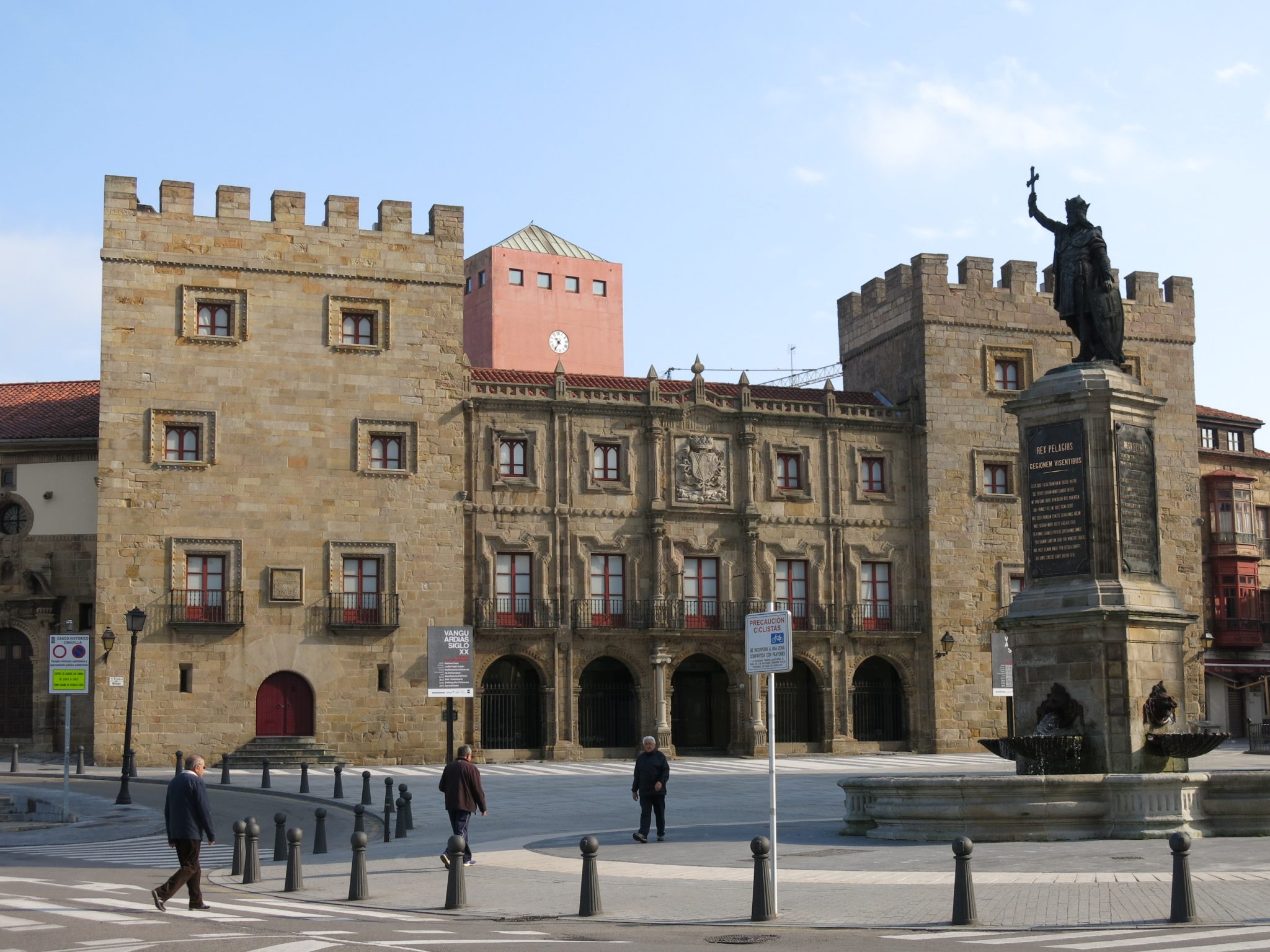 Visitando Gijón con el Grupo Chapín
