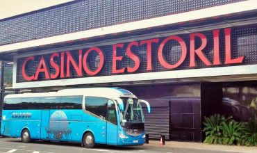 Hoy vamos a Estoril con el autobús del Grupo Chapín