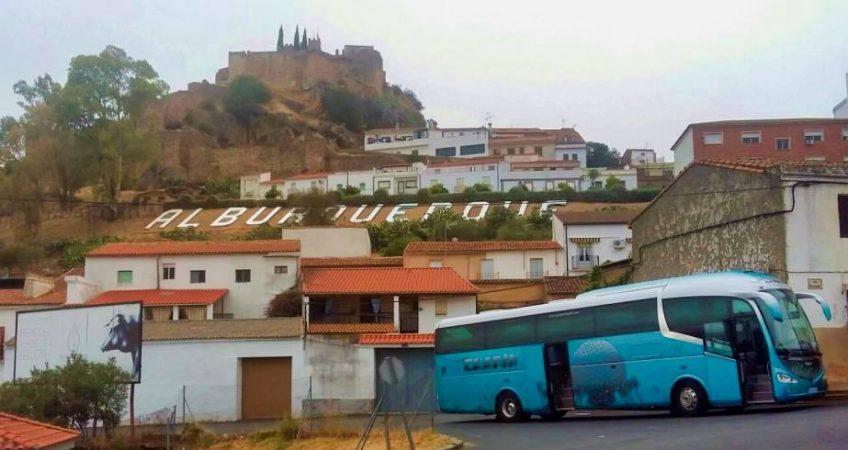 Viajamos a Alburquerque con el autobús del Grupo Chapín