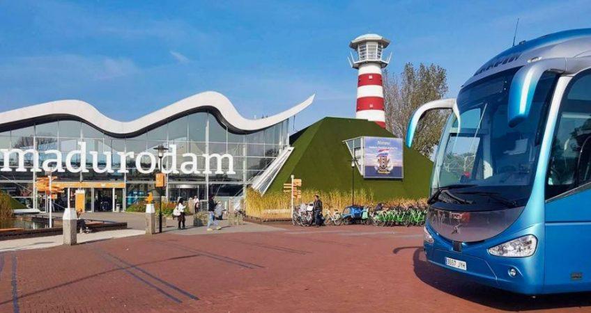 La Haya con el autobús del Grupo Chapín